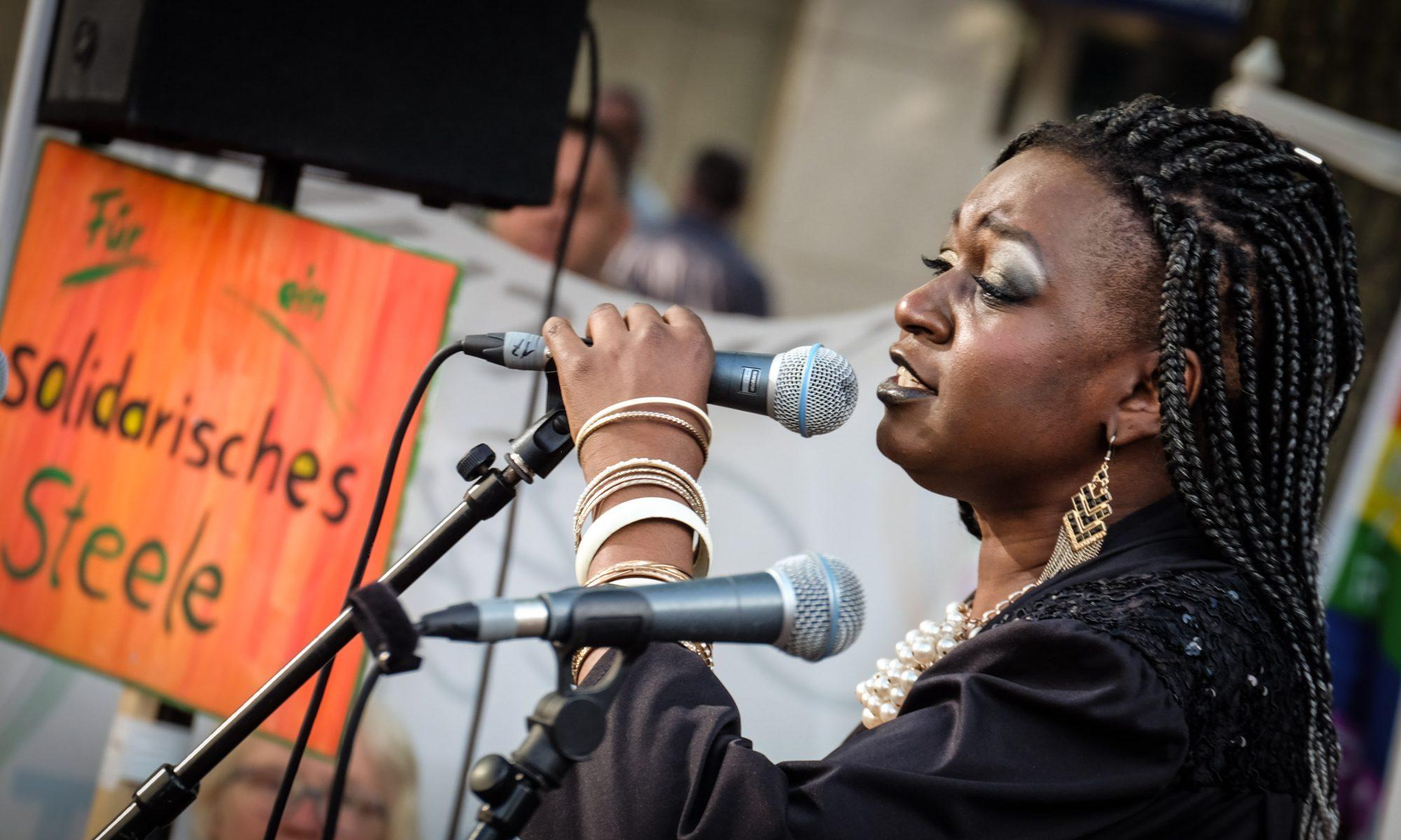 Achan Malonda in Steele Juli 2019